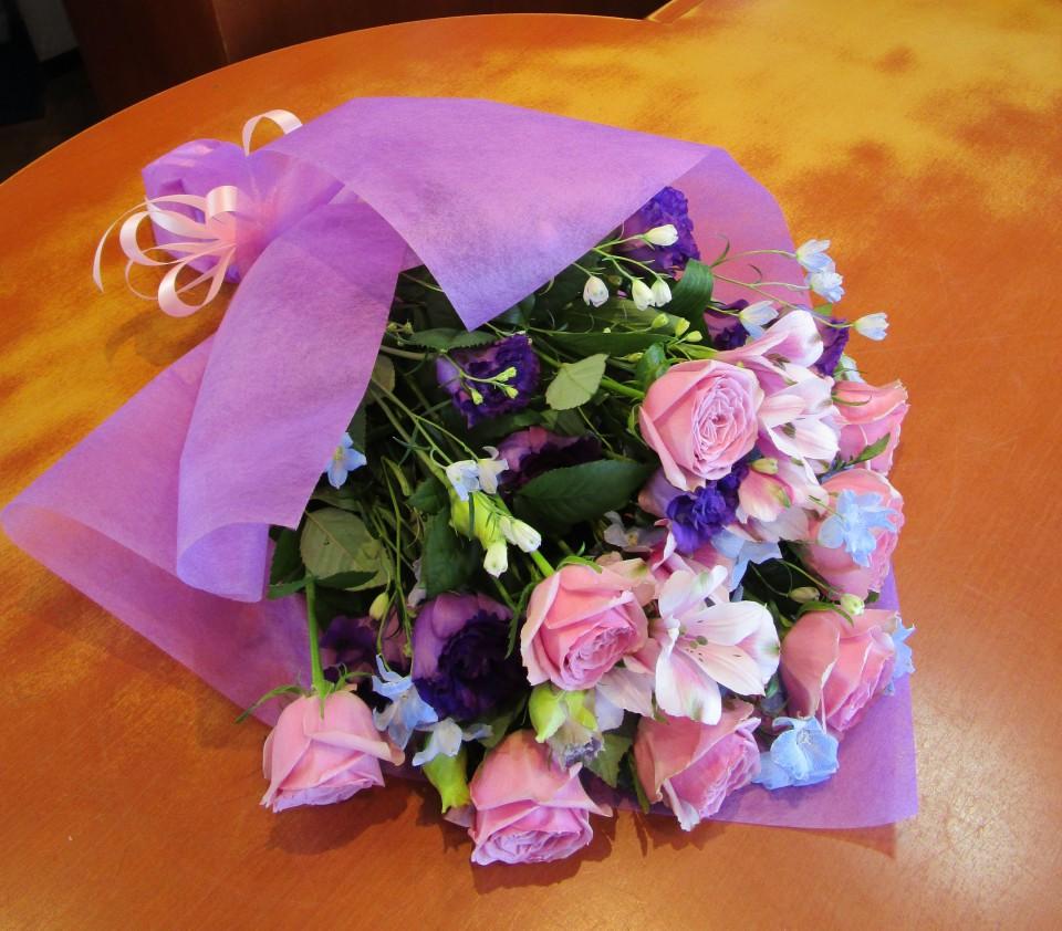 ムラサキ系花束
