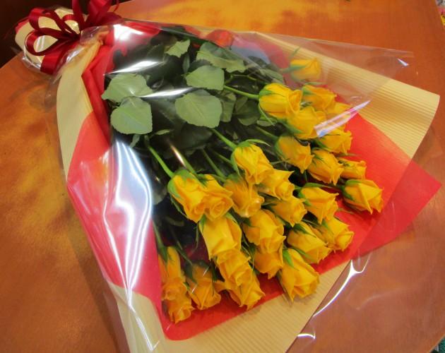 黄バラ30本束